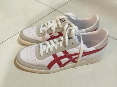 ASICS men uk 8 (New)