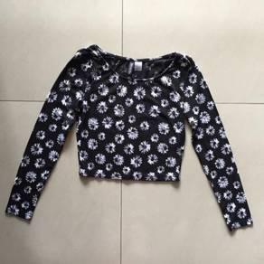 H&M - Floral Crop Top