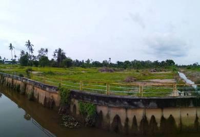 Tanah lot banglo kampung parit lapis berdekatan taman emas batu pahat