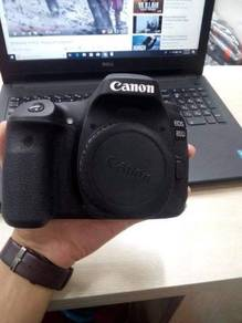Canon eos 80d with lens and including postage urg
