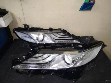 Toyota Camry Hybird Head Lamp (One Pair)