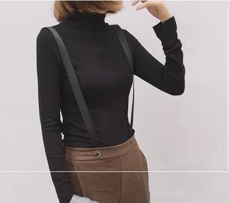 Black or white long sleeve turtleneck plain top