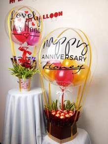 Bunga Coklat dan Belon Bertulis / Hot Air Balloon