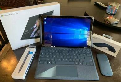Microsoft Surface Pro 2017 Model 1796 12.3