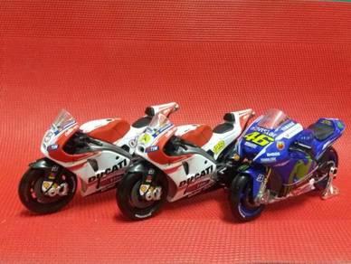 2015 Moto GP Team Ducati & Yamaha