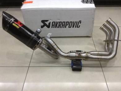 Akrapovic Full System Carbon Yamaha MT-09 / MT09