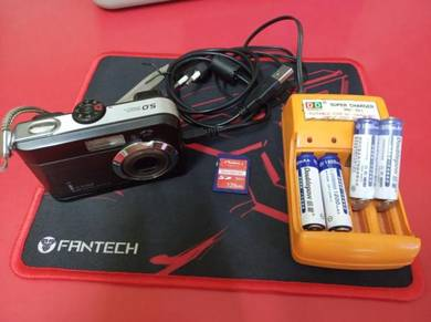 Camera, recharable batteries, charger, SD card
