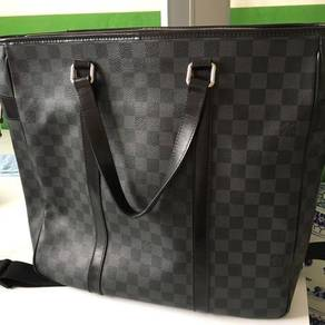 Louis Vuitton N51192 Tadao Dam. Graphite