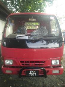 Hicom 2002/2003yrs tip top condition with aircond