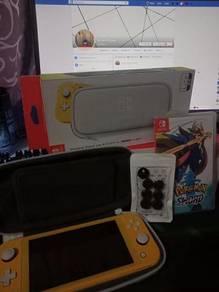 Nintendo Switch Lite Yellow + Account/Games