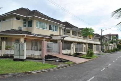 Premium 4 Bedroom House Near Airport Sleep 20 Pax
