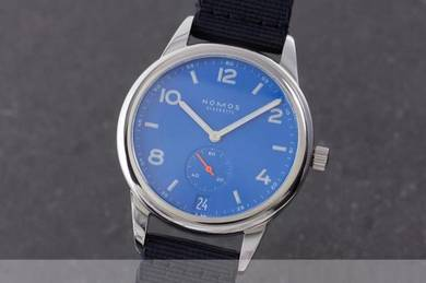 NOMOS Club Automatic Date signalblue