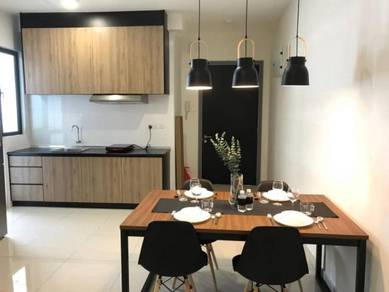 KL Traders Square condo MEDIUM ROOM FULLY FURNISHED KLCC view