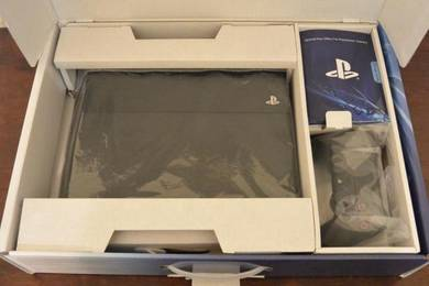 Full box Playstation 4 Pro Warranty