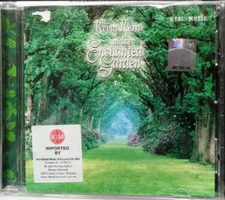 CD Kevin Kern in the Enchanted Garden CD (Imported