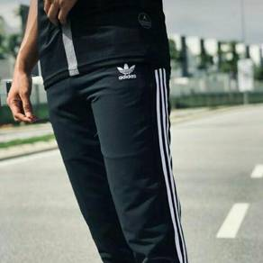 Adidas regularfit ready stock 🔥