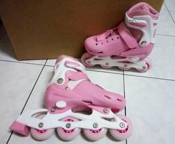 Adjustable Size Skating Shoes ( Pink )