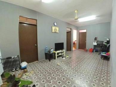 MENTARI COURT apartment, Near Guard House, Low Deposit, Level 5