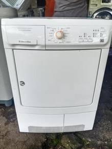 Mesin pengering dryer condenser 7 Kg electrlux