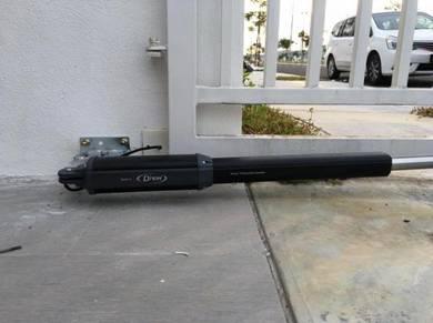 D'nor Black Hydraulic Arm Autogate System