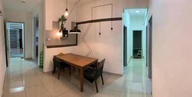 Season Luxury Apartment / Larkin / Near CIQ / Below Market Value