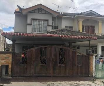 End Lot Renovated Double Storey Terrace , Bandar Country Homes, Rawang