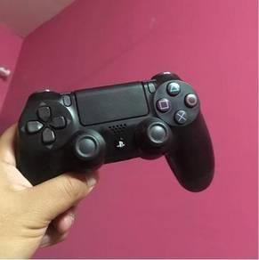 Dualshock 4 PS4 Controller ( Black )