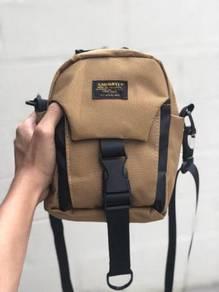 Carhartt wip military slingbag