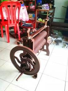 Mesin getah antik