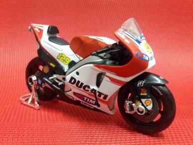 Ducati Desmosedici Moto GP 2015 No. 29
