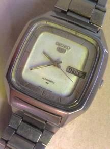 Jam Seiko 5 Sq Japan steel vintage watch