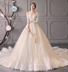 White fishtail long sleeve wedding dress RB0826