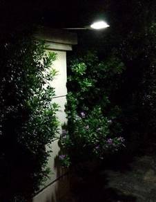 Solar Light With 12 LED For Outdoor Wall