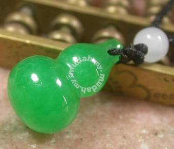 ABPJ-G007 Lucky Gourd Amulet Green Jade Necklace