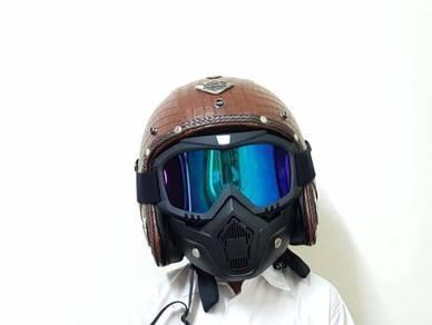 Topi keledar helmet