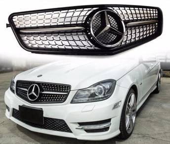 Mercedes Benz W204 C180 C200 Diamond Grill Black