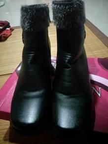 Kasut boots cantik