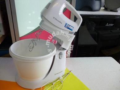 0% GST New Electrolux Stand MIXER