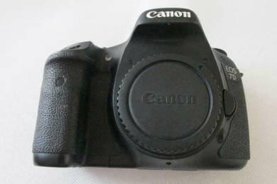 Canon EOS 7D 18.0MP Digital-SLR DSLR Camera(BODY)