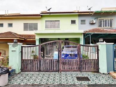 2 Storey Terrace, Taman Pinggiran Putra, Seri Kembangan