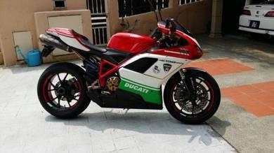 Ducati 1098 Super-Bike
