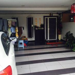 2 STOREY HOUSE PUTRA PERMAI HEIGHTS [GATED 22x75 RENO Indah MOVE IN]