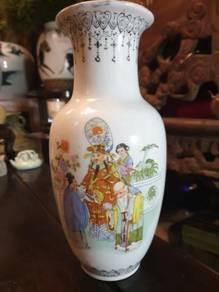 Chinese porcelain fuk luk sau vase vintage SLG