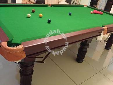 Snooker table 9 feet