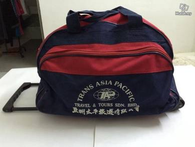 V2 Travelling Bag With Wheels And Handle Beg