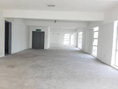 Corner Office 1st /3st Floor with Lift Taman Equine Facing Bank 4000sq
