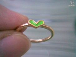 ABRGM-L003 Love Shape Green Color Golden Ring Sz5