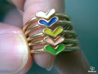ABRGM-L001 Love Shape 5pcs 5-Color Golden Ring Sz5