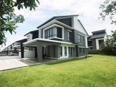 [54x70]Wide Land Corner Lot House in Garden Landscape Kota Kemuning