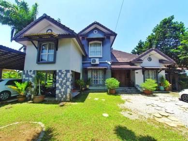 [Backyard Facing Lake] Renovated Bungalow, Pantai Sepang Putra, Sepang
